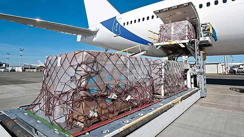 بررسی حمل و نقل هوایی در ایران
