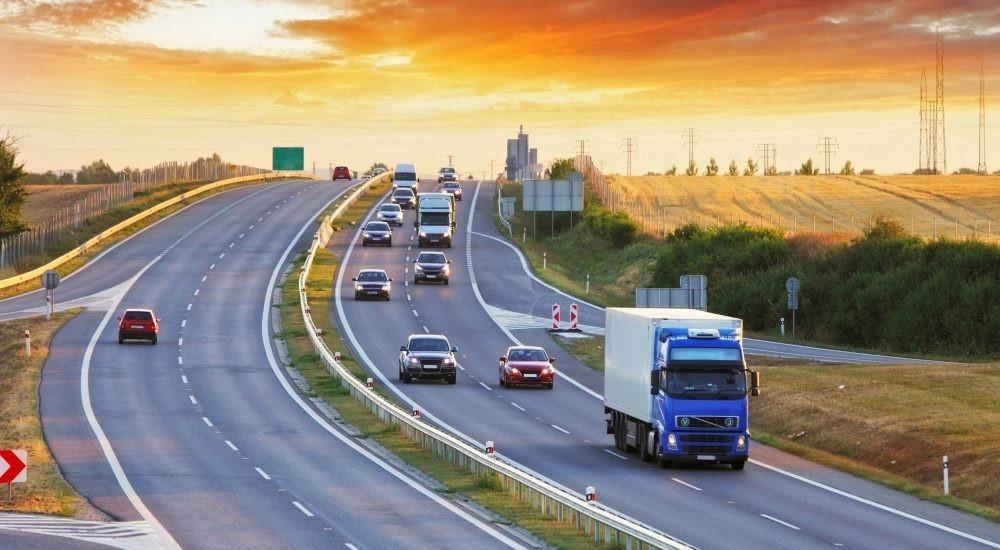 قیاس حمل و نقل ریلی و جاده ای