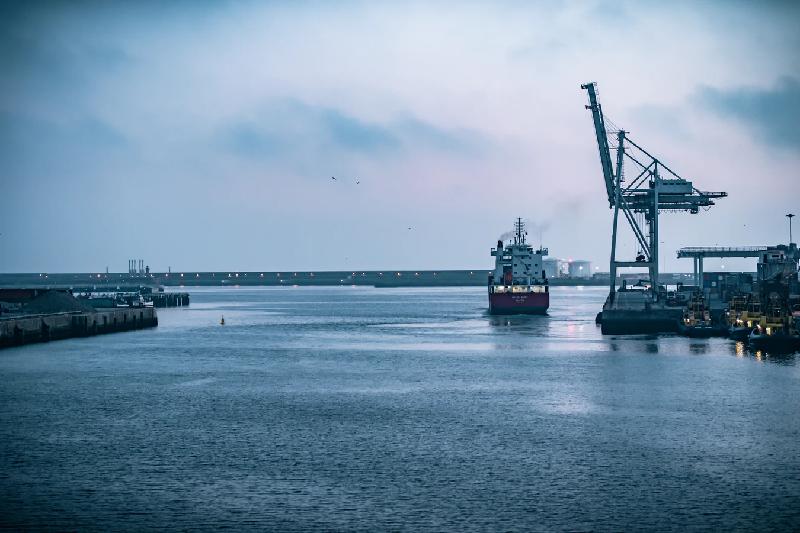 تفاوت CFR و CFI در حمل و نقل دریایی